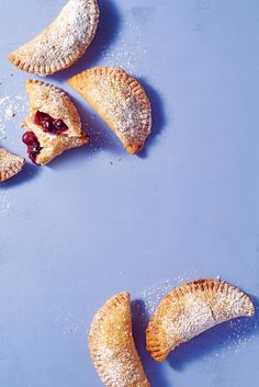 These hand pies will are perfect for sitting on the porch watching the summer sunset. The fresh blueberries are abundant in these fried pies. Blueberry Desserts, Strawberry Blueberry, Desserts To Make, Summer Desserts, Peach Cobbler Bars, Memorial Day Desserts, Fried Pies, Pie Recipes, Picnic Recipes