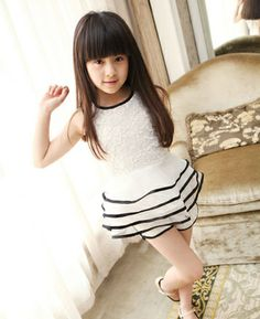 2014 New Arrival South Korean Style Lace Serging Cake Skirt Outfit White $7.98