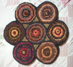 Geometric 7 Penny Hooked Rug