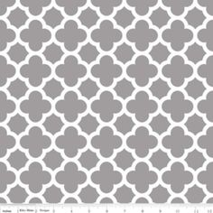 Riley Blake Designs - 2015 Knits - Quatrefoil  Knit in Gray