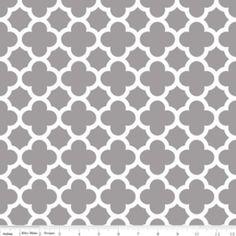 Riley Blake Designs - 2015 Knits - Quatrefoil  Knit in Gray