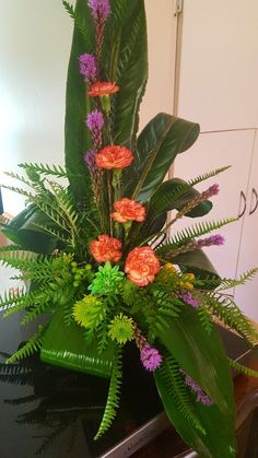 Contemporary Flower Arrangements, Creative Flower Arrangements, Tropical Floral Arrangements, Church Flower Arrangements, Ikebana Arrangements, Tropical Flowers, Colorful Flowers, Altar Flowers, Church Flowers