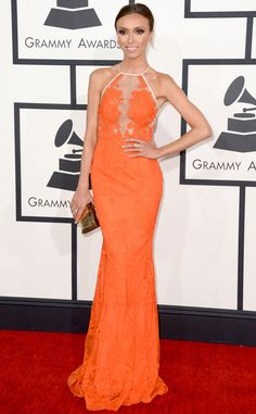 Giuliana Rancic is lovely in lace in this Alex Perry stunner! #fashion