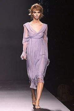 Alberta Ferretti Spring 2002 Ready-to-Wear Collection Photos - Vogue