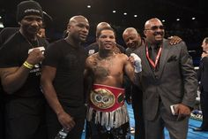 Gervonta Davis retains world title after coming into ring as Michael Jackson