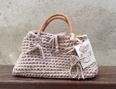 Silvia's bags, Crochet bag cotton and leater/ borsa fettuccia beige di cotone e manici in pelle.