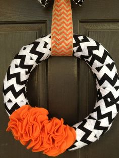 Super cute take on a Halloween wreath!! Halloween Black Chevron with Orange Ruffles Wreath