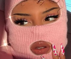 mask aesthetic girl mask aesthetic girl Ski mask are for anyone that can rock it! Boujee Aesthetic, Badass Aesthetic, Bad Girl Aesthetic, Aesthetic Images, Aesthetic Collage, Aesthetic Makeup, Aesthetic Vintage, Aesthetic Beauty, Aesthetic Clothes