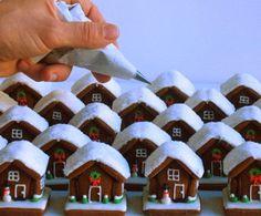 Φτιάξτε ένα εκπληκτικό χριστουγεννιάτικο σπιτάκι από μπισκότο!