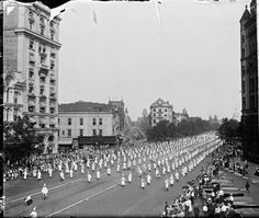 In August of 1925, over 60,000 Ku Klux Klan members marched to the White House and US Capitol to display their ever-increasing numbers across America.
