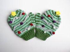 Kid's Christmas Tree mittens - Knitting Projects | LoveKnitting