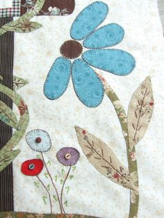 Lovely applique here Applique Towels, Hand Applique, Flower Applique, Applique Quilts, Applique Templates, Applique Patterns, Small Quilts, Mini Quilts, Butterfly Quilt Pattern