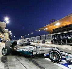 Lewis Hamilton, AMG Mercedes Pilot leaving the Paddock @ Gulf Air F1 GP Bahrain 2014