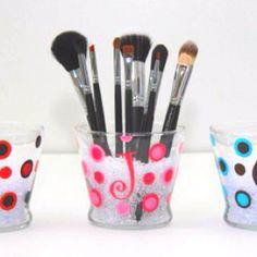 Make Up brush Holder -glitzyglam.com