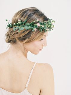Romantic and simple - Top 10 Floral Crowns | Wedding Inspiration on JenHuangBlog.com | w/ Jen Huang, Poppies and Posies, Facetime Beauty, Jenette Nelligan, Shop Skylar Belle
