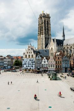 Flanders Heritage, take a look at the unique St Rumbold's Tower and church. With 514 steps and 43 bells, the flat-topped unfinished tower of Mechelen's largest church is a wonder to behold and a behemoth to climb.  Grote Markt  (c) Visit Mechelen