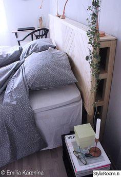 EmiliaKareninan sängynpääty on itse suunniteltu sekä alusta asti omin käsin valmistettu #sängynpääty #diy #makuuhuone #kodinsisustus #inspiroivakoti