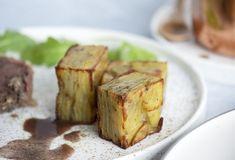 Pommes Anna - opskrift på de lækre kartofler til fest og gæster Root Vegetables, Anna, Baked Potato, A Food, Cravings, Dinner, Ethnic Recipes, Potatoes, Drink
