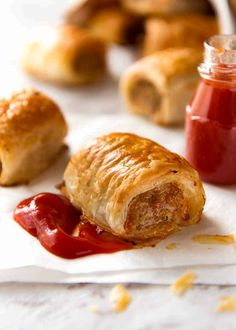 Homemade Sausage Rolls The best ever sausage roll recipe, secret steps and special ingredients which makes the filling the most flavoursome and moist you will ever have! Homemade Sausage Rolls, Best Sausage Roll Recipe, Recipe Tin, Roti Recipe, Pork Mince, Recipetin Eats, Puff Pastry Recipes, Sauce Tomate, Tomatoes
