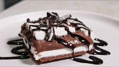 Δροσερό Γλυκό Ψυγείου Βανίλια Σοκολάτα - Chocolate Lasagna - YouTube Tiramisu, Sweet Tooth, Cake, Ethnic Recipes, Desserts, Food, Youtube, Tailgate Desserts, Deserts
