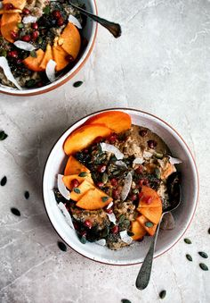Cooking the fruit alongside oats in this creamy vegan persimmon porridge adds sweetness and a little winter flair to your breakfast porridge. Vegetarian Breakfast Recipes, Brunch Recipes, Veggie Recipes, Healthy Recipes, Healthy Foods, New Potato Salads, Clean Eating, Healthy Eating, Nutritious Meals