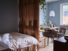 Gorgeous Apartment Studio Decor Ideas That You Need To Try New York Studio Apartment, Tiny Studio Apartments, Studio Apartment Layout, Studio Layout, Studio Apartment Decorating, Dream Apartment, Luxury Apartments, Apartment Living, Apartment Interior