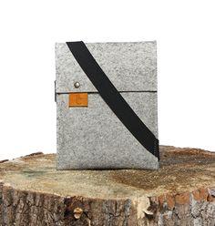 Le Y iPad Mini - Sleeve - Felt and Leather - CANTIN - Permanent collection #fashion #montreal #handmade  #ipad