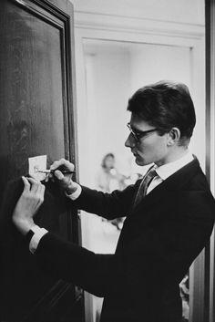 Les archives d'Yves Saint Laurent dévoilées en ligne