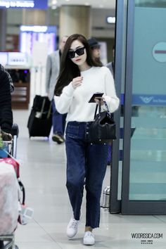 Jessica Arrived Incheon Airport from Beijing Snsd Airport Fashion, Snsd Fashion, Korean Fashion, Girl Fashion, Womens Fashion, Girls Generation Jessica, Jessica Jung Fashion, Korean Celebrities, Korean Outfits