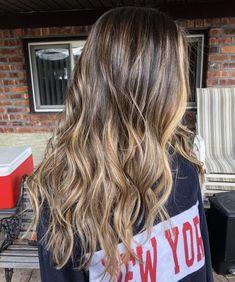 Sunkissed Hair Brunette, Brunette Color, Brunette Hair, Love Hair, Big Hair, Hair Color Shades, Hair Colors, Colours, Hair Inspiration