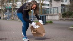 As the spring thaw lays bare the discarded waste of winter, many Canadian fitness enthusiasts are trying to spread the word about plogging, an eco-friendly exercise mashup that combines the endorphin rush of jogging with the environmental benefits of picking up trash.