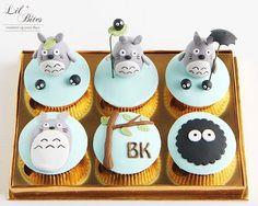 Totoro fondant cupcake set