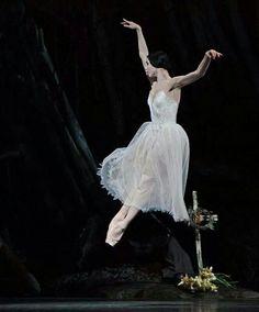Natalia Osipova as Giselle /Royal Ballet...