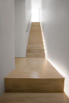 To know more about John Pawson Stairs, Private Residence, visit Sumally, a social network that gathers together all the wanted things in the world! Featuring over 120 other John Pawson items too! Interior Stairs, Interior Architecture, Interior And Exterior, Architecture Details, John Pawson, Staircase Handrail, Stair Railing, Hidden Lighting, Cool Lighting