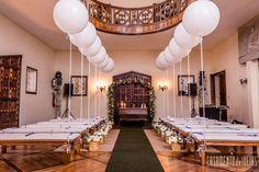 Casamento castelo country club, com balões na ponta do banco