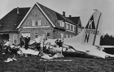 United States Army Air Corps — Danish civilians examine a crashed Bomb. Old Rolls Royce, E Boat, Air Force Bomber, Military First, American Air, Photo Supplies, Killed In Action, Staff Sergeant, United States Army