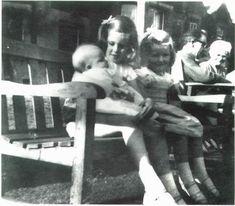 Lady Diana Childhood :: LadyDianaSpencer-Infant7.jpg image by dawngallick - Photobucket
