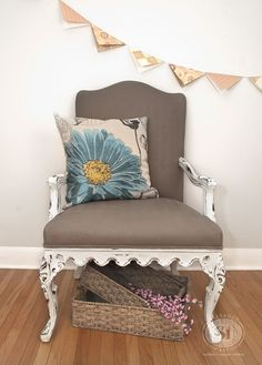 PAINTING FABRIC WITH CHALK STYLE PAINTS: GRANNY CHAIR MAKEOVER!