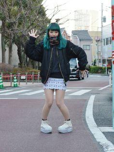 She is so cute! Japanese Streets, Japanese Street Fashion, Asian Fashion, My Tights, Tokyo Street Style, Bomber Jacket, Feminine, My Style, Sweatshirts