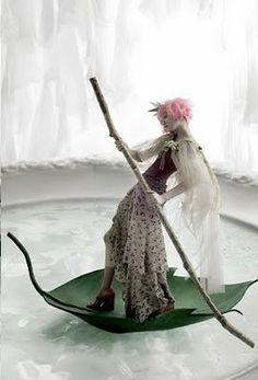 """A Thumb Princess"": Daul Kim Plays Thumbelina by Kim Jung Han for Vogue Girl Korea gondola leaf Tim Walker, Editorial Fashion, Fashion Art, Fashion Design, Asian Fashion, Fotografie Portraits, Girl Korea, Vogue Korea, Fantasy"