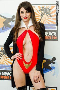 LeeAnna Vamp as Vampirella