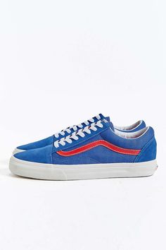 70390220f Vans via Urban Outfitters