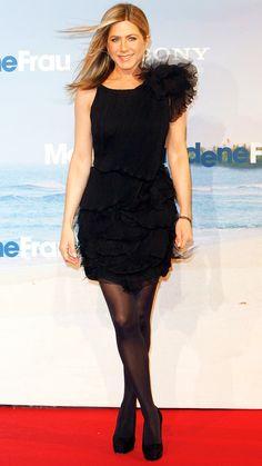 маленькое черное платье Nina Ricci. Дженнифер Энистон