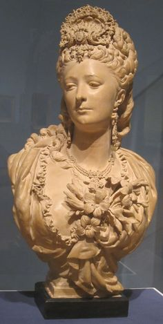 Terracotta_portrait_bust_by_Albert-Ernest_Carrier-Belleuse,_c._1865.JPG (1632×3246)
