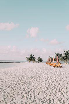 Beach vibe via Beach Aesthetic, Summer Aesthetic, Travel Aesthetic, Aesthetic Photo, Aesthetic Pictures, Aesthetic Vintage, Aesthetic Beauty, Aesthetic Dark, Aesthetic Pastel