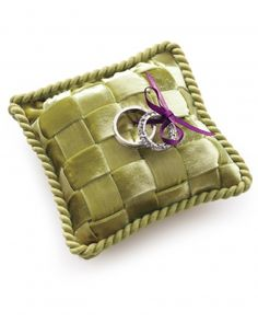 Martha teaches you how to MAKE this trendy woven ring pillow (does the pattern remind you of a certain, fabulous handbag??)