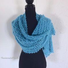 Bridal Shawl, Bridal Lace, Wedding Shawl, Crochet Flower Scarf, Lace Bolero, Crochet Wedding, Autumn Clothes, Bridal Outfits, Crochet Fashion