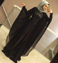 Niqab Fashion, Modern Hijab Fashion, Frock Fashion, Fashion Outfits, Hijabi Gowns, Hijab Dress, Dress Muslimah, Indian Wedding Gowns, Hijab Wedding Dresses