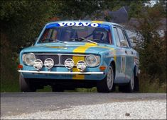 A 142 competing in a rally competition.