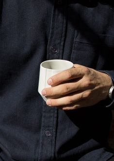 BAKKIE is a tableware series handmade in Utrecht, the Netherlands. The partly glazed, partly unglazed coloured porcelain creates a soft feeling both visually and in use. Utrecht, Netherlands, It Works, Rings For Men, Porcelain, Mugs, Studio, Tableware, Handmade